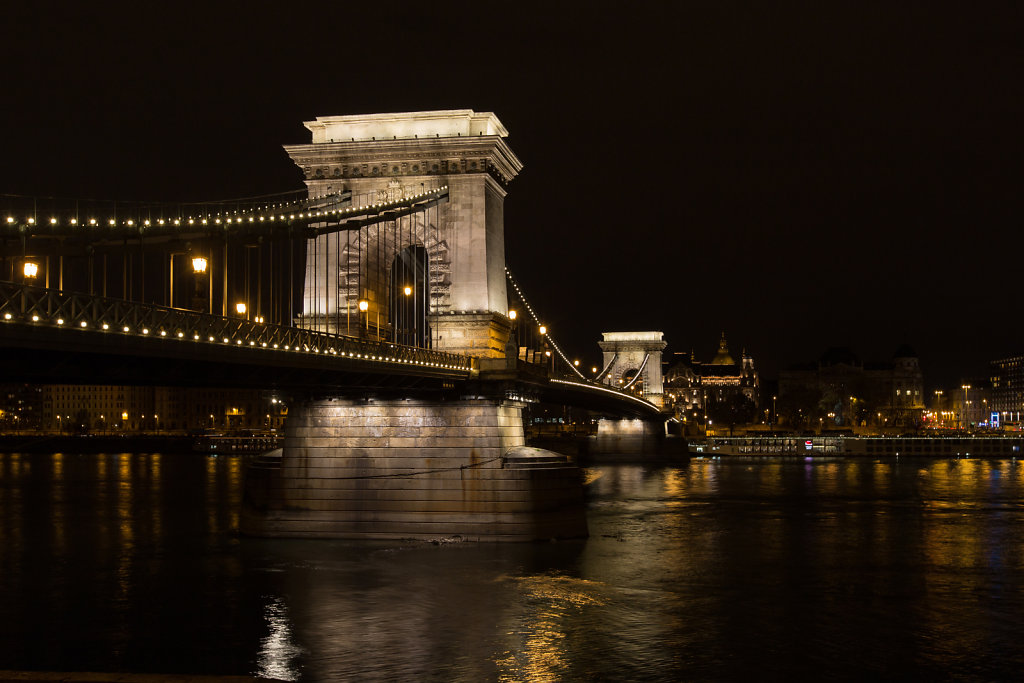 Chain's Bridge